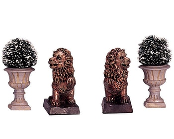 Lion Statue & Decorative Vase
