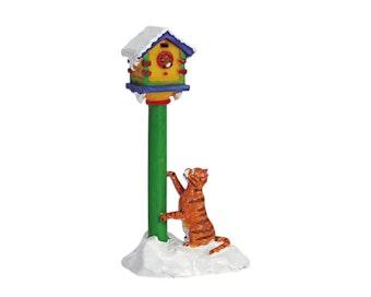 Birdhouse Curiosity