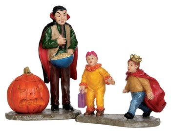 Scaring Trick Or Treaters, Set Of 2