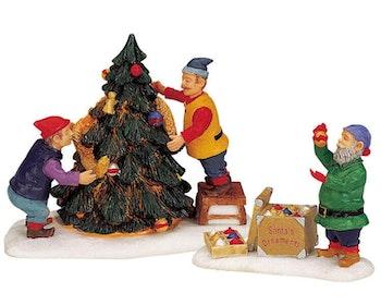 Decorating Santa