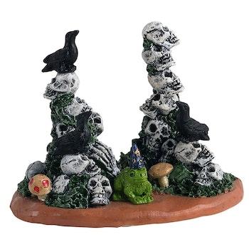 Skull Cairns