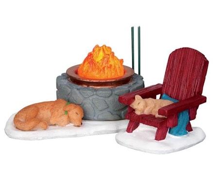 Lodge Fire Pit