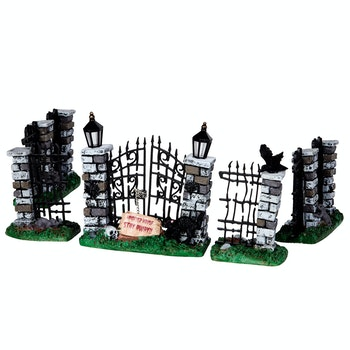 Spooky Iron Gate And Fence, Set Of 5
