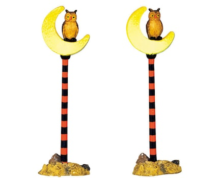 Crescent Moon Street Lamp