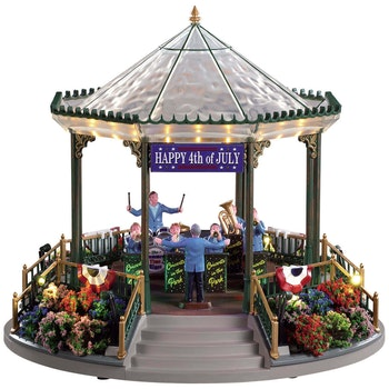 July 4th Garden Green Bandstand