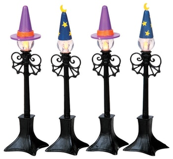 Witch & Wizard Street Lamp